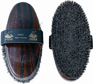 20670 PONY HorseHair/NaturalFibre/BrassW-grooming-Spurs